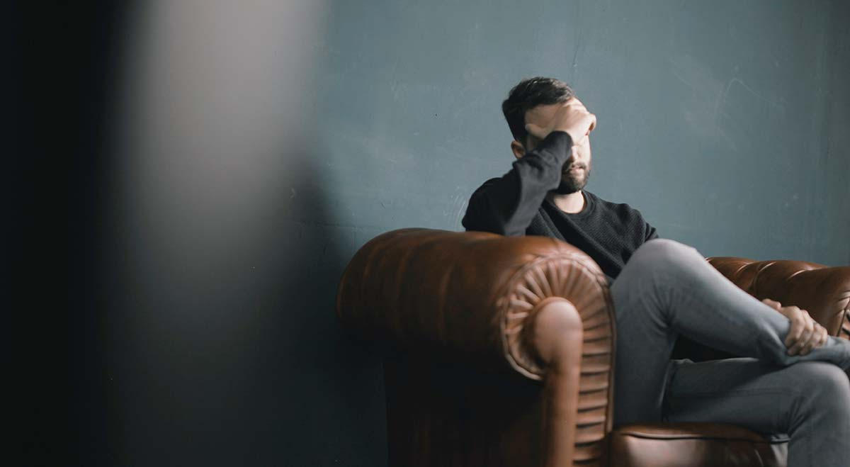 Depersonalization Symptoms: The 5 Most Common (& Why They